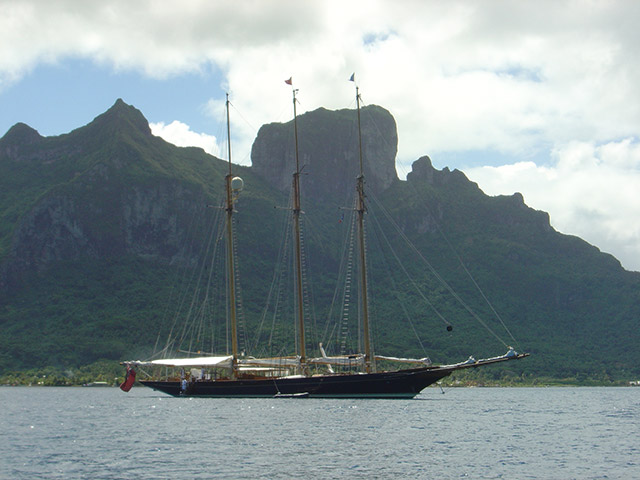 Shenandoah of Sark anchored off Bora Bora