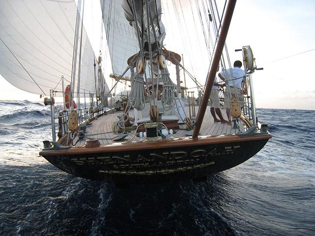 Shenandoah of Sark under sail towards Micronesia